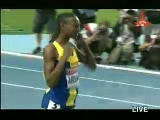 Abeba Aregawi Defeats Genzebe Dibaba in the Women' s 1500m in Moscow 2013